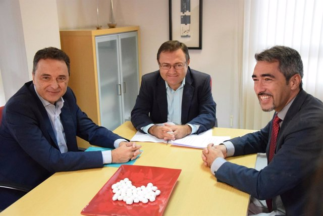 Heredia y alcaldes de PSOE de Torremolinos José Ortiz y Benalmádena Víctor Navas