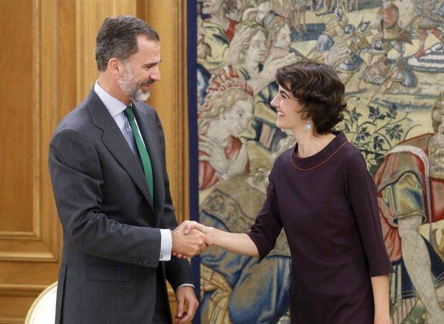 El rey Felipe VI recibe en el Palacio de la Zarzuela a la diputada Rosa Martínez