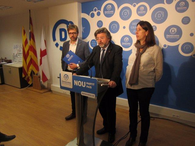 Los dirigentes de Demòcrates C.Prats, A.Castellà y T.Laïlla