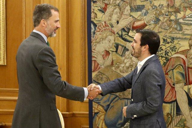 El rey Felipe VI recibe al coordinador federal de IU, Alberto Garzón
