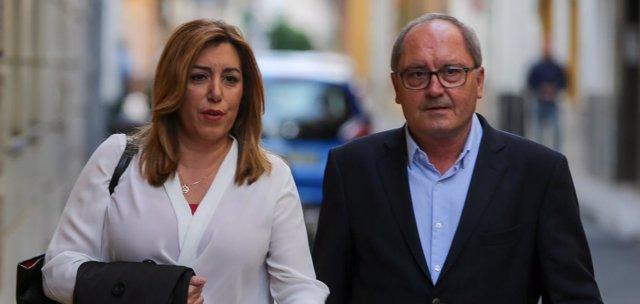 Susana Díaz y Juan Cornejo a su llegada a la sede regional del PSOE-A