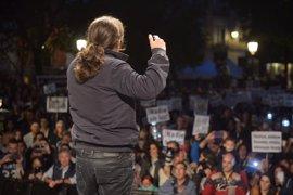 Pablo Iglesias saludará a los manifestantes que protestarán contra la investidura de Rajoy
