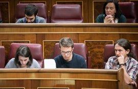 Pablo Iglesias avisa de que el apoyo del PSOE al PP no se limita a la investidura de Rajoy