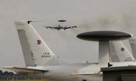 OTAN comienza a realizar vuelos de vigilancia en apoyo de la coalición contra Estado Islámico