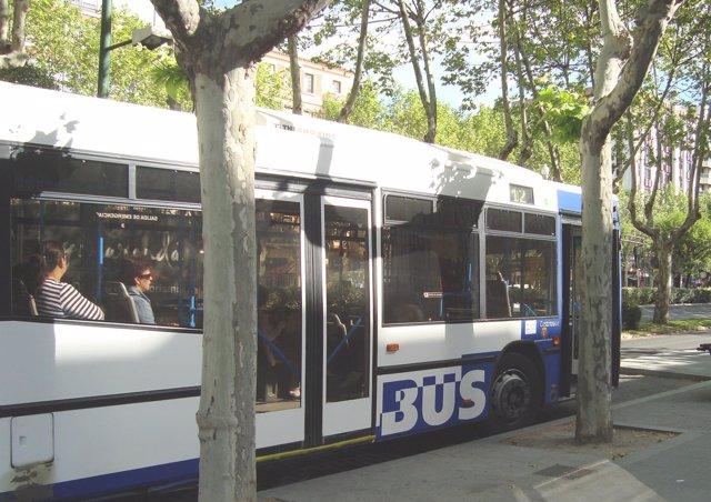 Un Autobús De Auvasa.