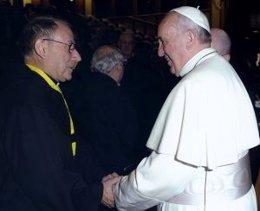 Prior de los Agustinos Recoletos Miguel Miró con el Papa Francisco