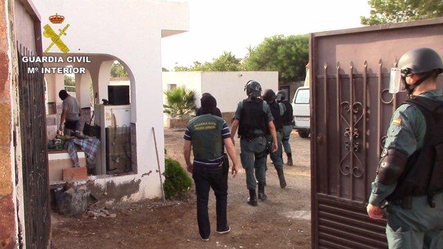 Intervención de los agentes de la Guardia Civil de Almería