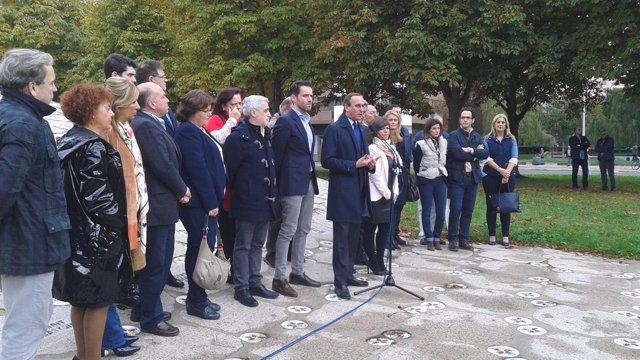 El presiente del PP vasco, Alfonso Alonso, en el homenaje a victimas estatuto