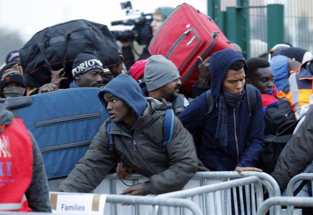 Desalojo del campamento de Calais, Francia
