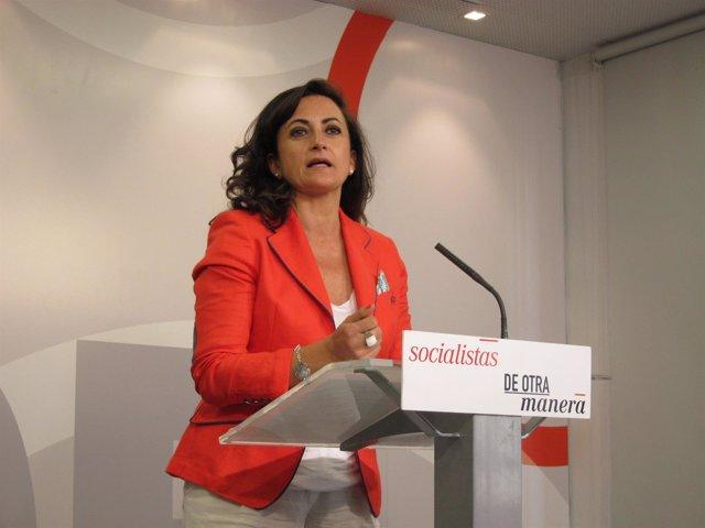 La diputada del PSOE, Concha Andreu, analiza pactos