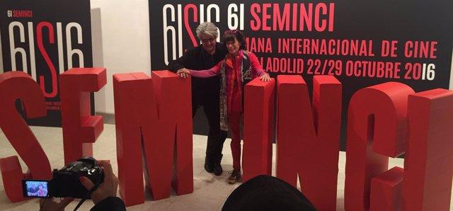 Chema Pardo, junto a la actriz Geraldine Chaplin, en la Seminci