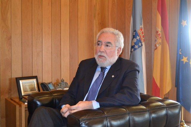 Miguel Santalices