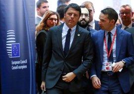 """Renzi advierte de que Italia """"no podrá soportar"""" otro año igual en materia migratoria"""