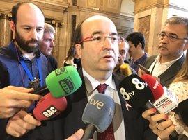 """Iceta llama al PSOE a seguir """"caminando juntos"""" a pesar de votar diferente en la investidura"""