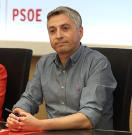 Francisco Ocón en la reunión de la gestora del PSOE