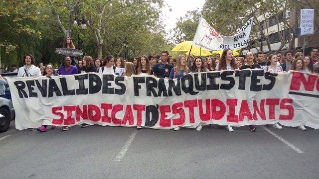 Manifestación de estudiantes contra las 'reválidas' en Valencia