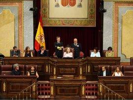 Ana Pastor abre la investidura dando lectura a la propuesta del Rey presentando a Rajoy
