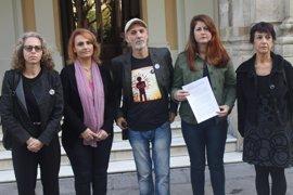 Moción de Participa en memoria del jerezano que vivió en Sevilla y murió en Barcelona a manos de los Mossos