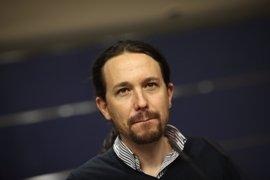 """Iglesias ve """"admirable"""" que diputados del PSOE se jueguen la expulsión por su 'no' a Rajoy"""