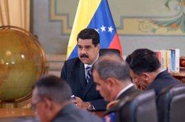 """Maduro declara """"en sesión permanente"""" al Consejo de Defensa de Venezuela"""
