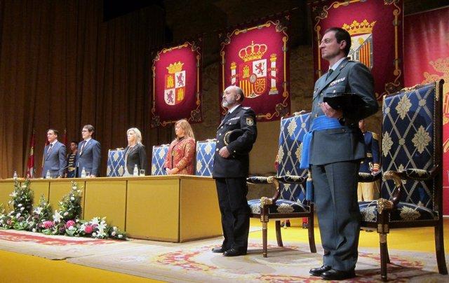 Acto de entrega de las medallas en el Teatro Liceo de Salamanca