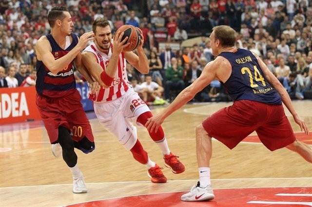 Marko Guduric ante el FC Barcelona Lassa