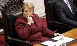 Bachelet remodela su Gobierno tras la derrota en las elecciones municipales