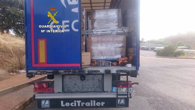 Camión al que se robó la carga en Santa Elena