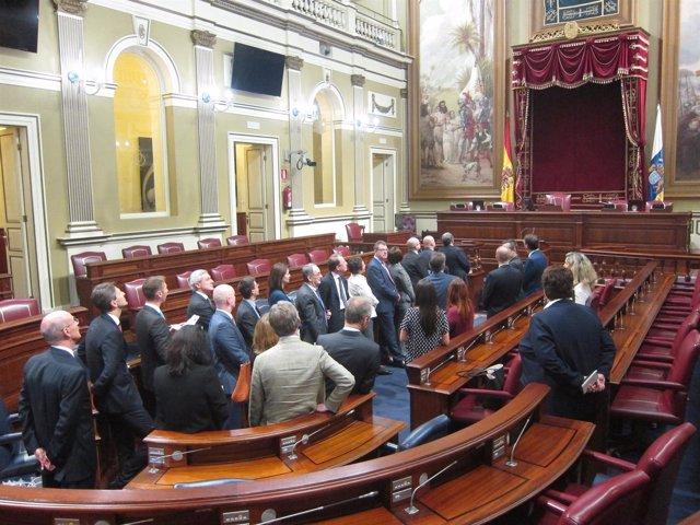 Visita de los embajadores al Parlamento