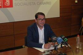 """El PSOE niega una censura a Clavijo y critica la """"estrategia de intoxicación"""" de CC"""