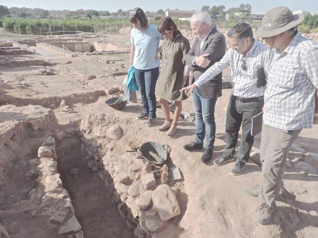 Cultura halla una sepultura visigoda en el yacimiento de l'Horta Vella de Bétera