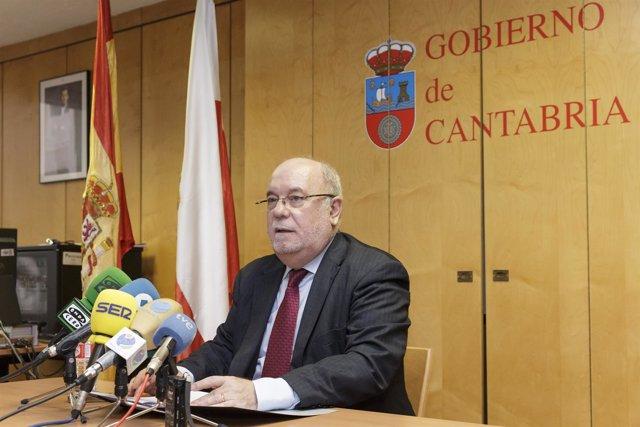 El consejero de Economía, Hacienda y Empleo, Juan José Sota