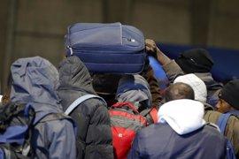 """HRW acusa a las autoridades francesas de """"dejar en la estacada"""" a cientos de personas en Calais"""