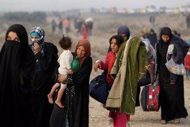 """Estado Islámico secuestra a """"decenas de miles"""" de civiles en Mosul para utilizarlos como escudos humanos"""