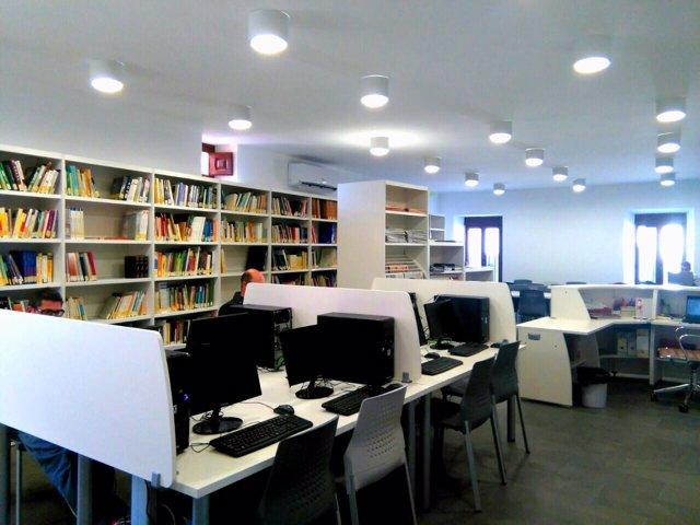 Biblioteca de Coria