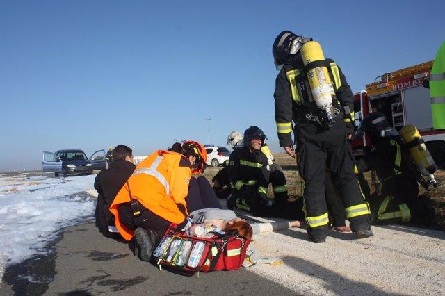 Simulacro de accidente en el Aeropuerto de Huesca
