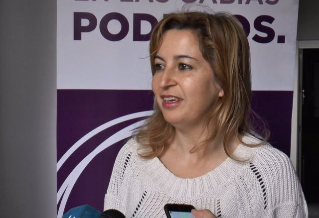 Carmen Lizárraga habla con los medios