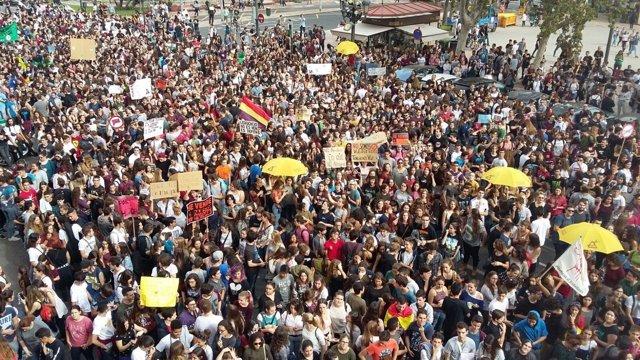 Protesta contra las reválidas en Valencia