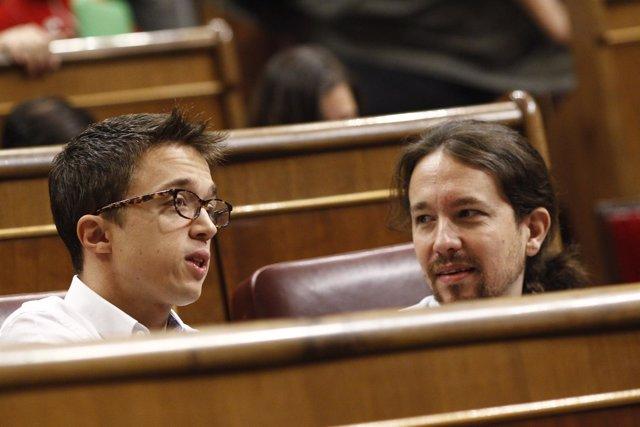 Errejón y Pablo Iglesias en el debate de investidura