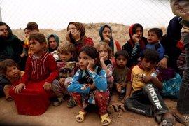 Traumatizados y sin nada, así huyen de la ofensiva contra Estado Islámico en Mosul