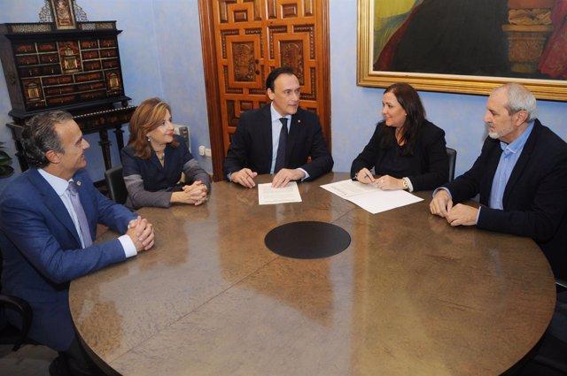 Firma de convenios entre la Diputación y la Universidad de Córdoba
