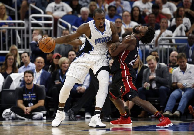 Serge Ibaka con los Orlando Magic