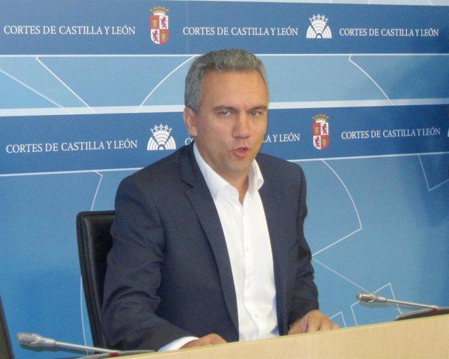 Javier Izquierdo en las Cortes