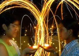 Nueva Delhi instalará purificadores de aire contra la contaminación durante el Festival de la Luz