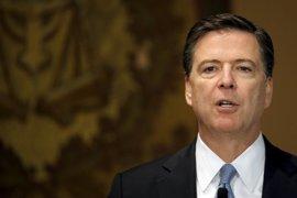 El Departamento de Justicia EEUU advirtió al director FBI de que no informara de nuevas investigaciones a Clinton
