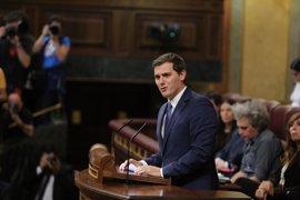 Rivera dice a Rajoy que no tenga miedo a su minoría porque solo tiene que cumplir con C's