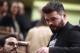"""Rufián siente """"vergüenza"""" por los aplausos entre PP y PSOE, que suenan al """"régimen del 78"""""""
