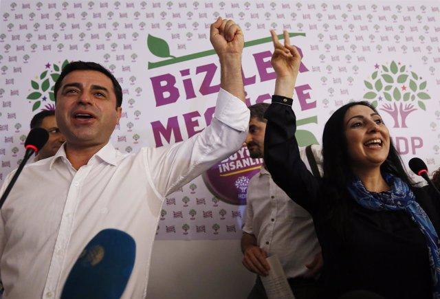 Los líderes del HDP, Selahattin Demirtas y Figen Yuksekdag