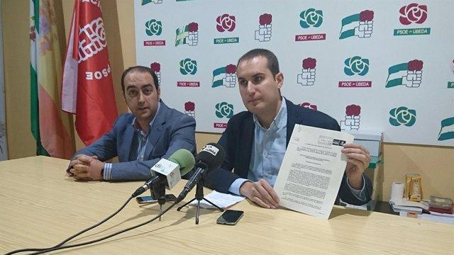 Rueda de prensa del socialista José Latorre en Úbeda (Jaén)