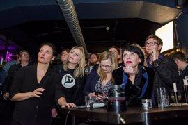 Los resultados definitivos complican la formación de gobierno en Islandia